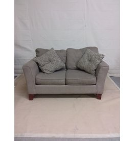 Studio District 2 seat loveseat