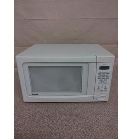 Studio District Kenmore white microwave