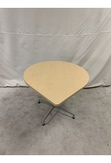 East York Oval Kitchennette Table
