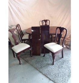 Markham West Wooden table set