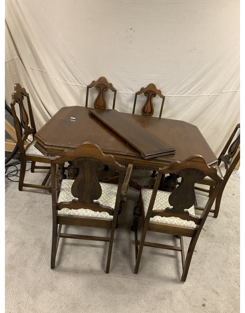 East York Dining Set with 6 Chairs