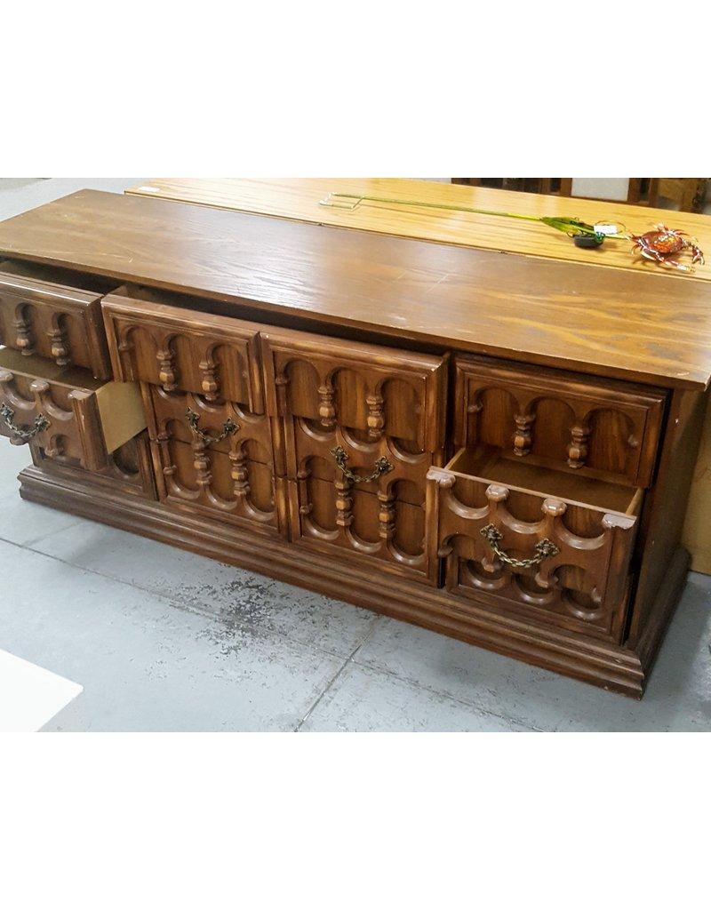 East York Large dresser