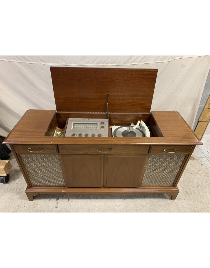 East York Antique Radio