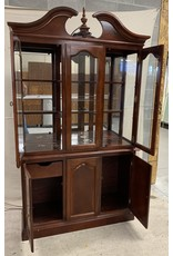 East York Cabinet with Hutch