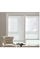 East York Home Decorators Collection Snow Drift 9/16-inch Cordless Light Filtering Cellular Shade - 42-inch W x 72-inch L (Actual Size 41.625-inch W x 72-inch L)