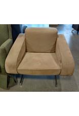 Markham West Wide seat chair