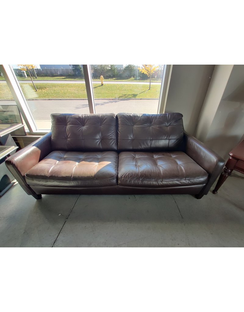 Markham West Tufted faux leather love seat