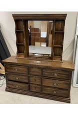East York Chest Piece with Mirrored Hutch Top