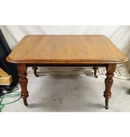 East York Oak dining table