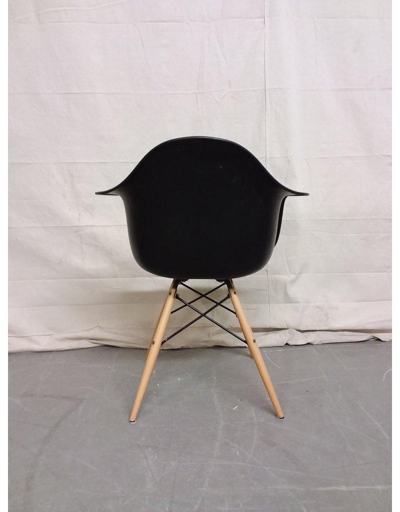 Studio District Black Daw Chair