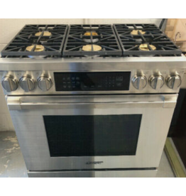 East York Dacor gas stove - stainless steel