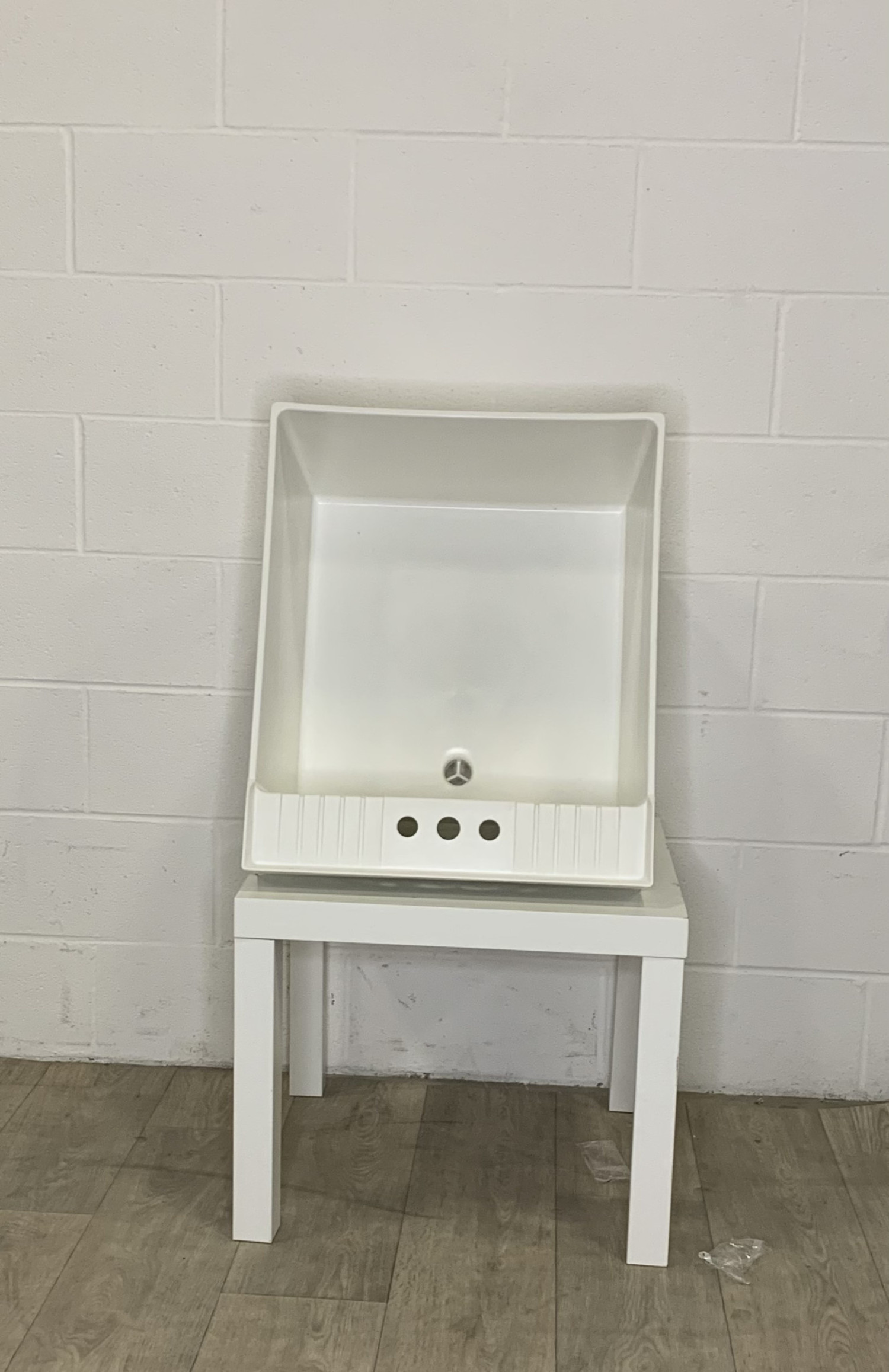 east york plastic laundry tub