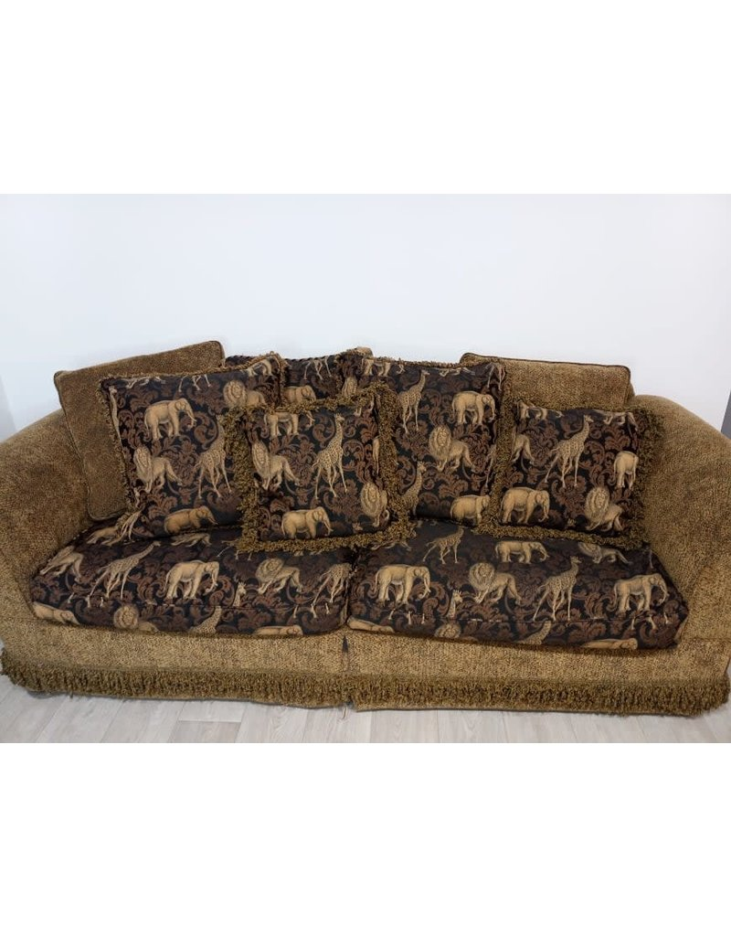 Newmarket Animal Couch