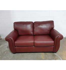 Etobicoke Leather Loveseat in Bordo