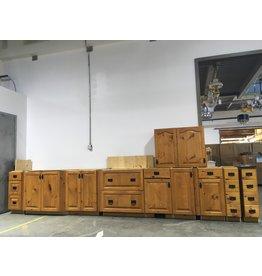 Etobicoke Pine Kitchen Cabinets