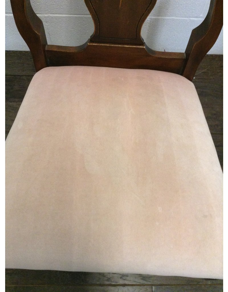 Uxbridge Dining Room Set with 5 Chairs