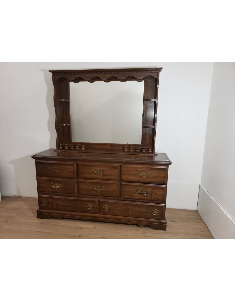 Oshawa Dresser with Mirror