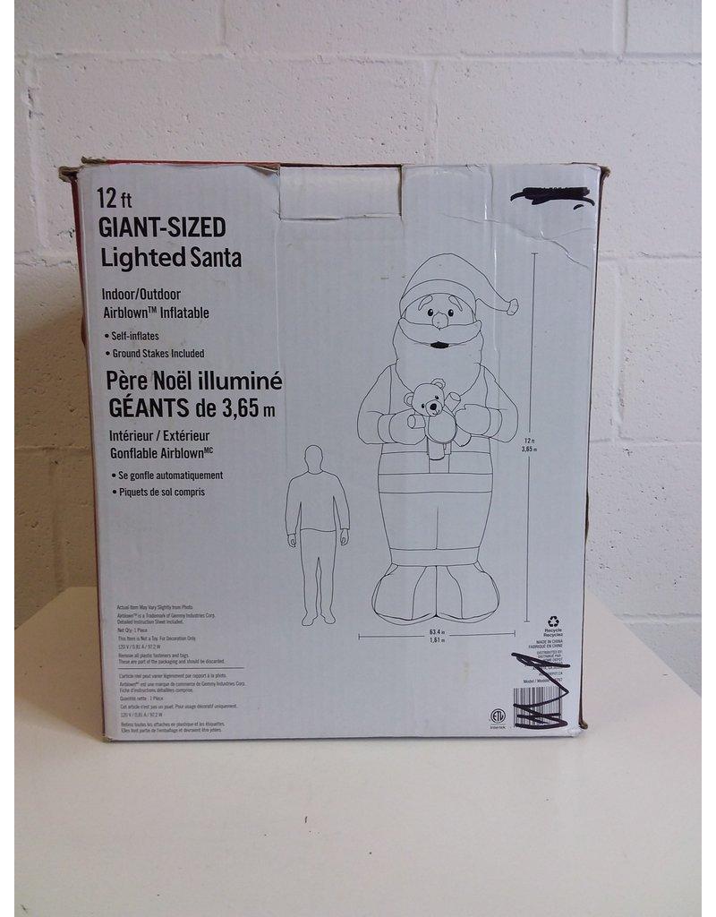 North York Giant Sized Lighted Santa