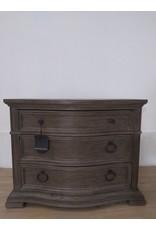Oshawa Dresser, High Quality