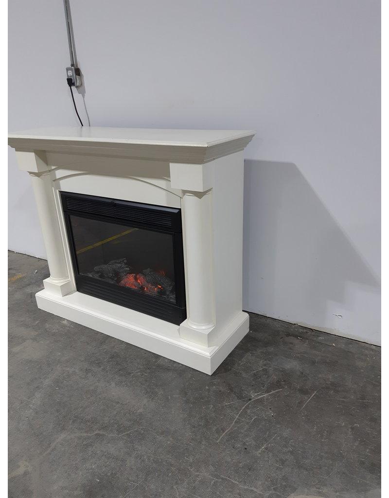 Etobicoke Electric Fireplace And Mantel