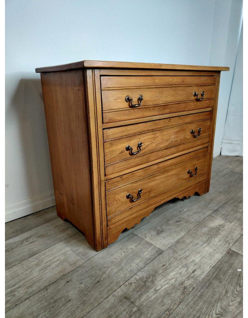 Markham West Antique Bedroom  Dresser