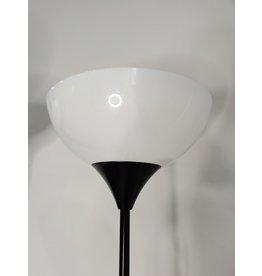 Markham West Simple Black Lamp