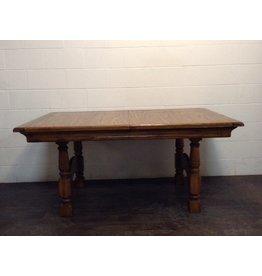 Uxbridge Extendable Oak Dining Table