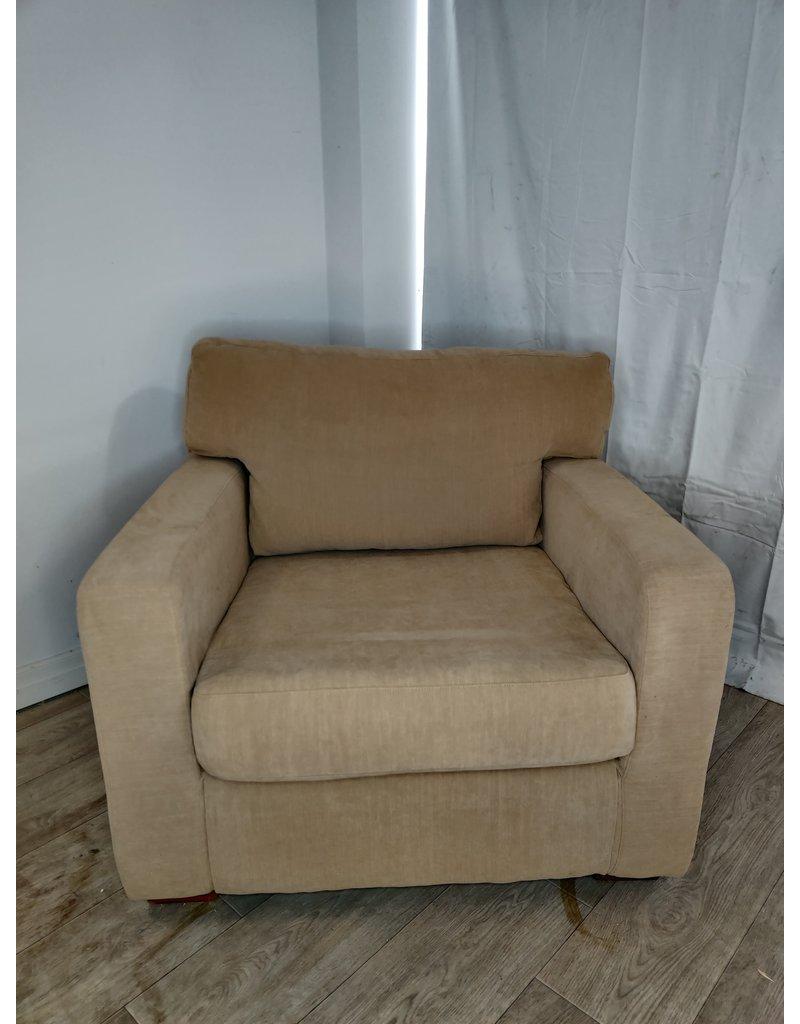 Markham West Beige Arm Chair