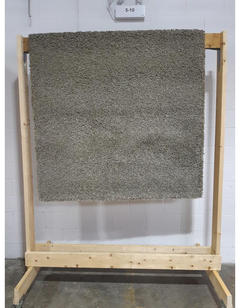 Etobicoke Area Rug in Gray  5' x 7'