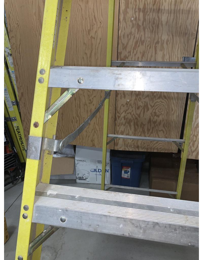 East York 12 FT Featherlite Ladder