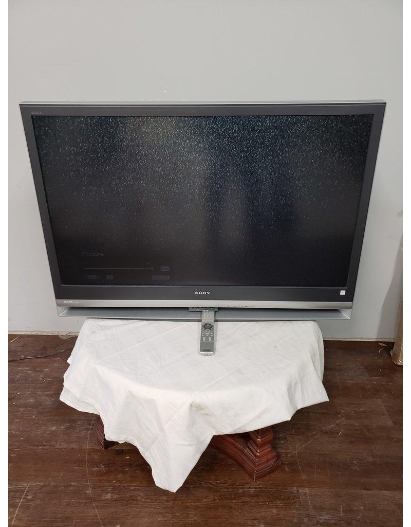 "Woodbridge 50"" Sony Wega LCD Projection TV with Remote"