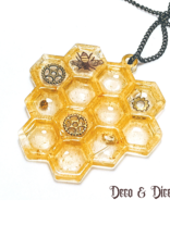 Deco and Dice Honeycomb Necklace