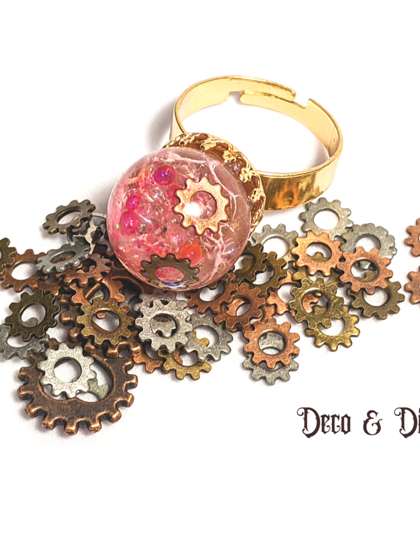 Deco and Dice Moss Ring