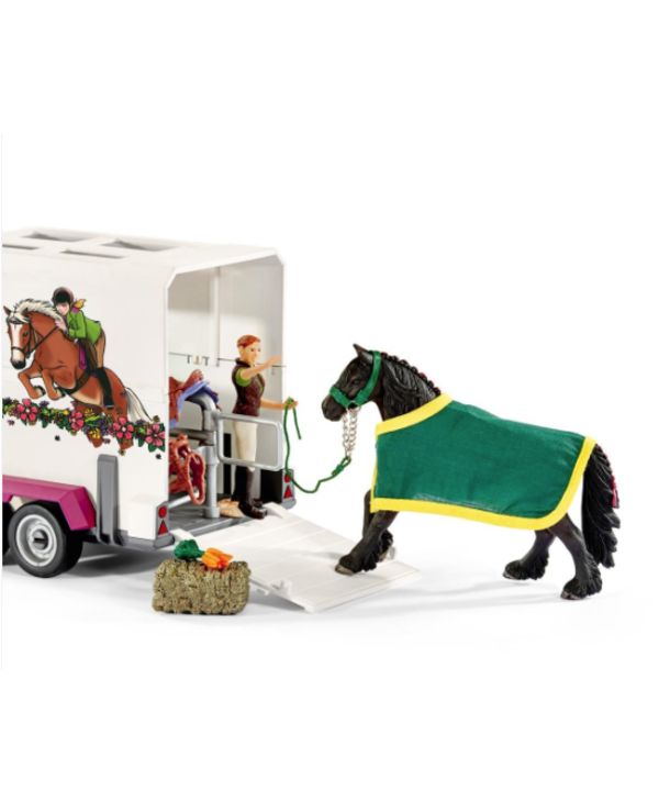 Pick Up Truck with Horse Trailer