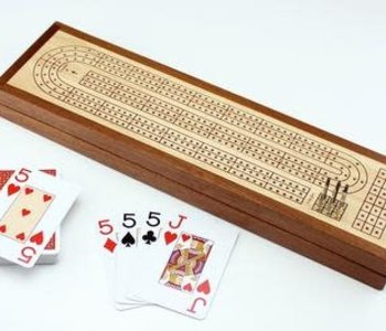 Wooden Cribbage Board C/W Piatnik Cards