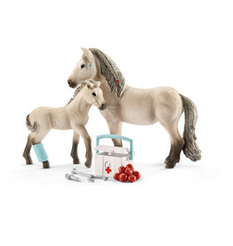 Schleich® Hannah's First Aid Kit for Icelandic Horses