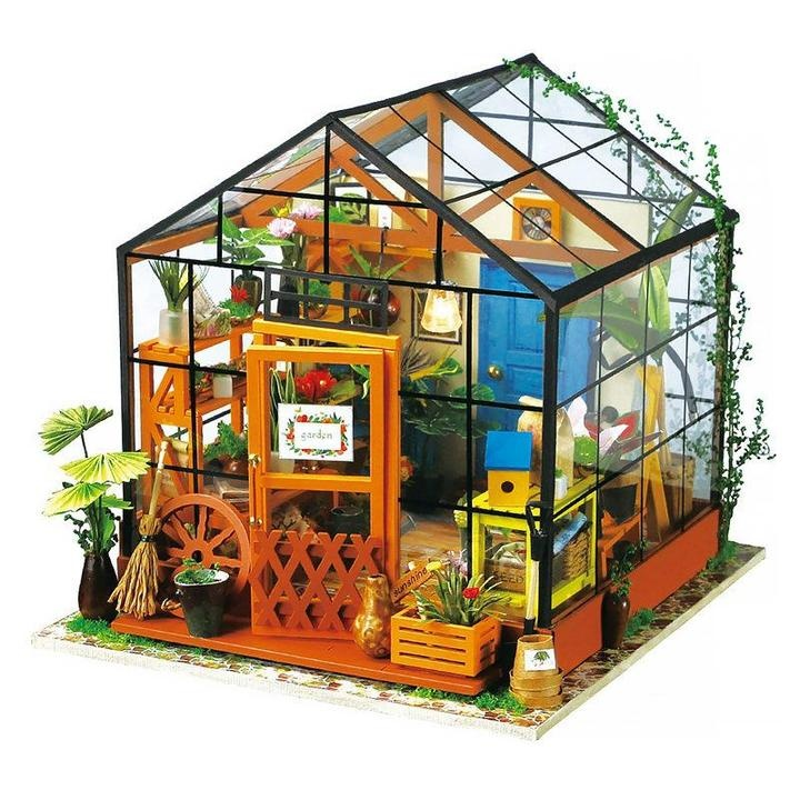 DIY House - Cathy's Green House