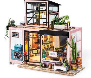 DIY House - Kevin's Studio
