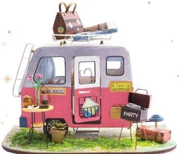 DIY House - Happy Camper