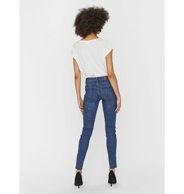 Vero Moda Mid Rise Frayed  Ankle Jean