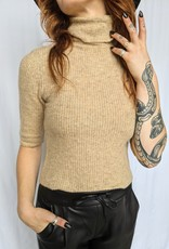 Noisy May Susie High-Neck 3/4 Sleeve Top