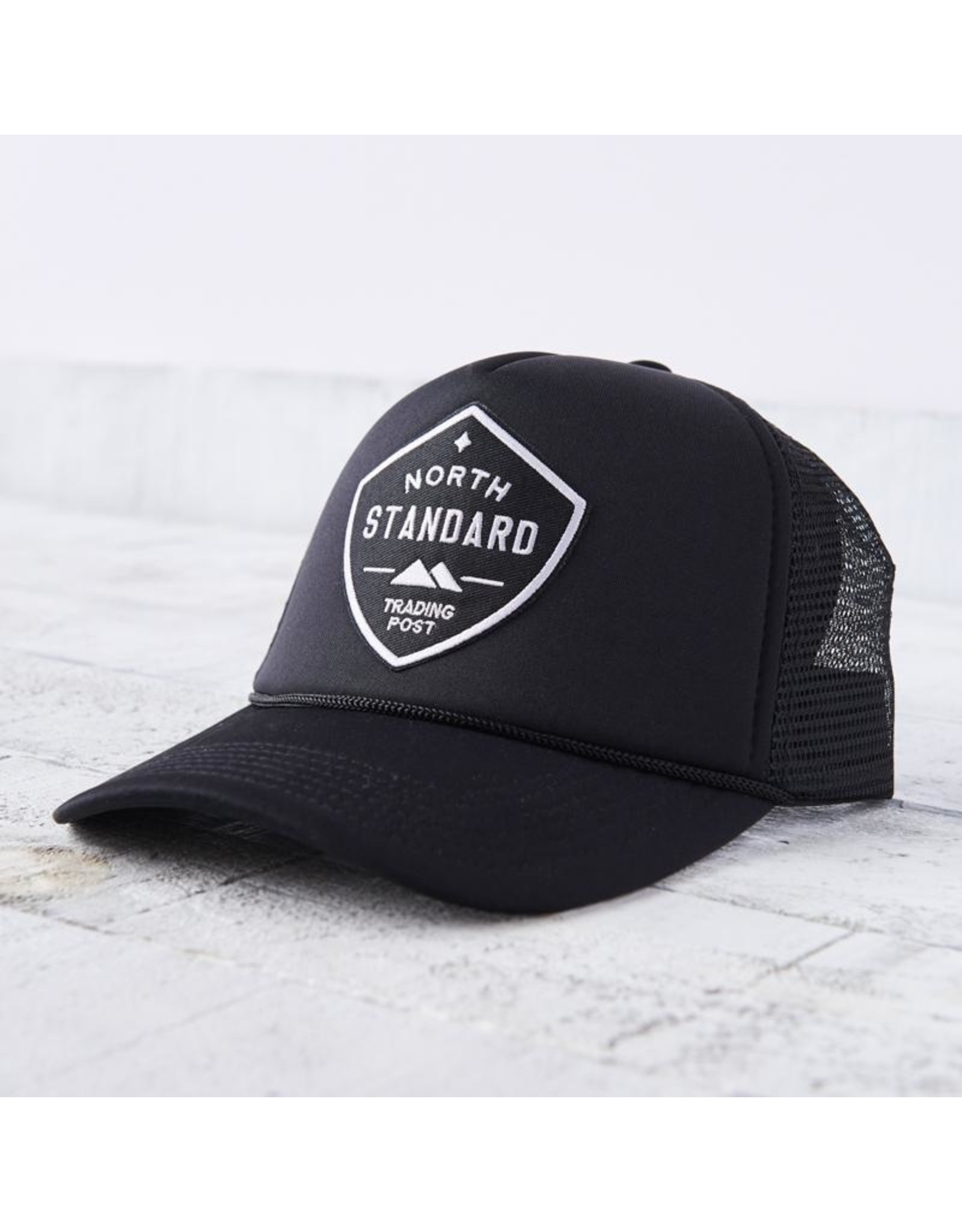 North Standard - Mesh Trucker Hat Blk/Wh Shield