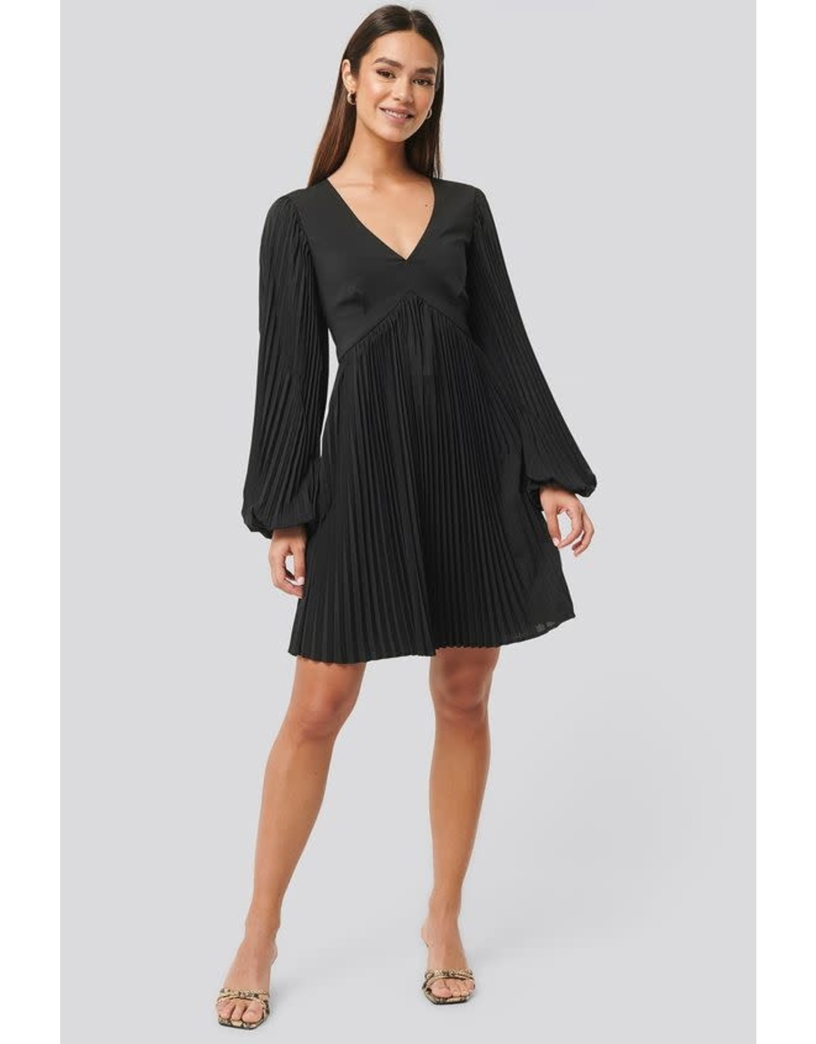 NA-KD - Dress with Pleated Skirt