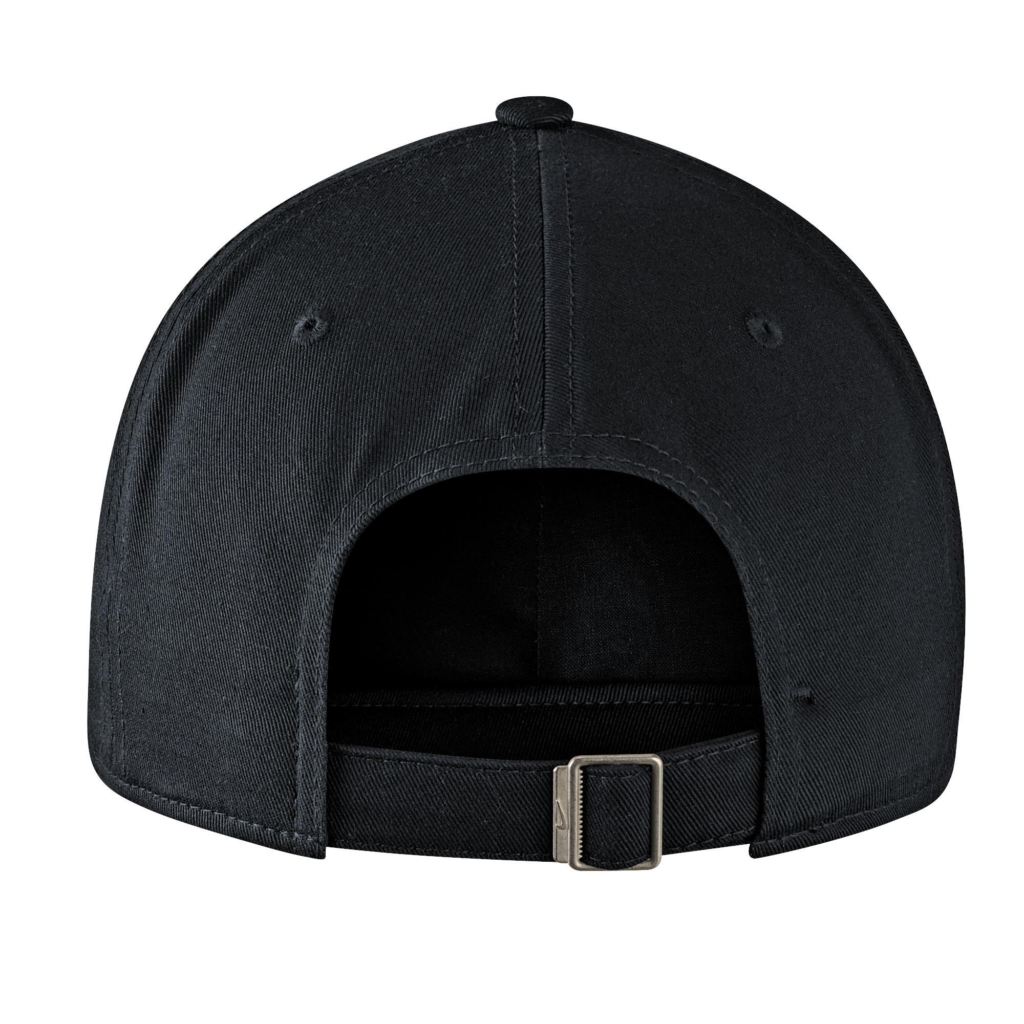 Hat: Nike Campus Cap