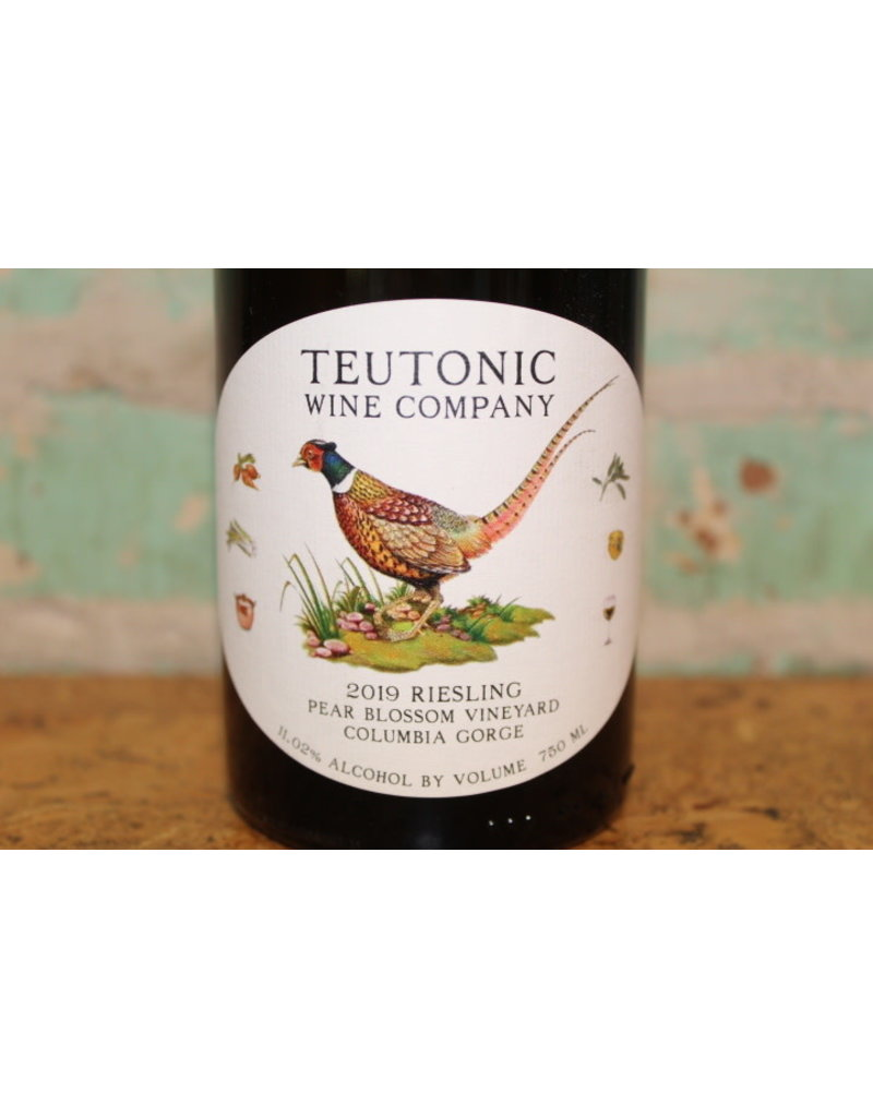 TEUTONIC PEAR BLOSSOM RIESLING