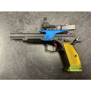 CZ 75 TS Czechmate Parrot 9mm Major Semi Auto PIstol w/C-More Sight & 1000 Rounds of Ammo