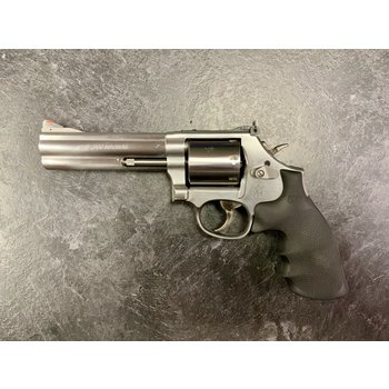 "Smith & Wesson Model 686-6 357 Mag 5"" 7 Shot Stainless Revolver"