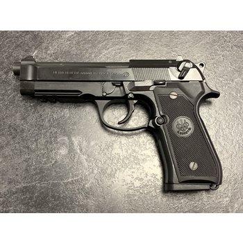 Beretta Model 96A1 40 S&W Semi Auto Pistol w/2 Mags
