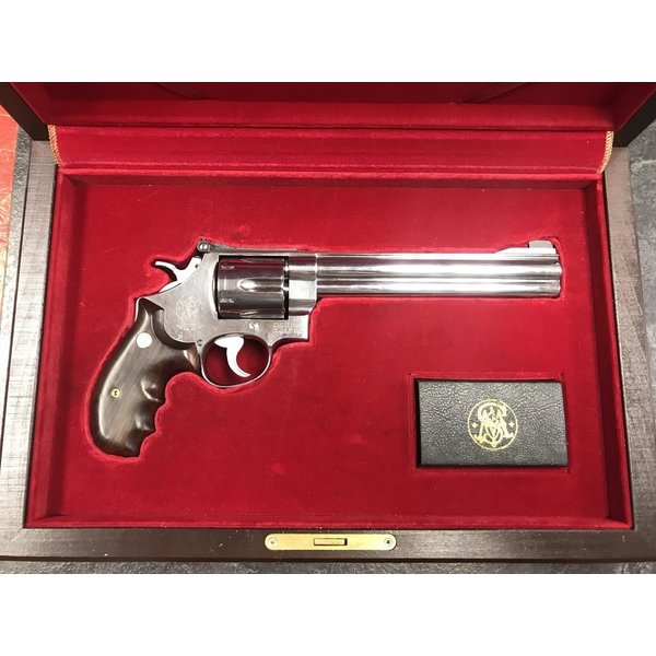 "Smith & Wesson Model 629-3 44 Rem Mag 7.5"" Magna Classic 1 of 3000 w/Presentation Box"