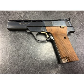 "High Standard The Victor 22 LR 4.5"" (Hamden) Semi Auto Pistol w/2 Mags and Herrett Grips"